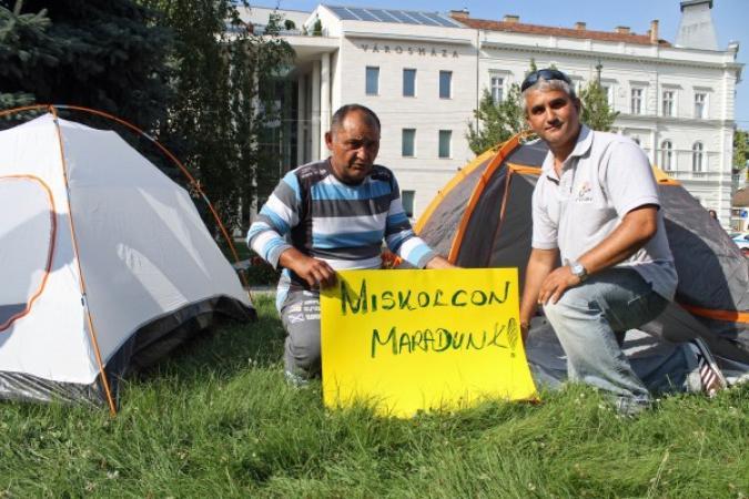 Tovább folytatják a demonstrációt a romák Miskolcon
