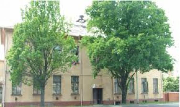 az iskola épületet