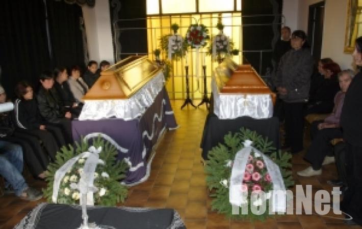 Nagycsécsi áldozatok temetése