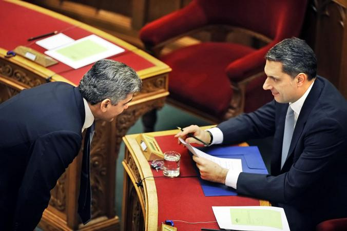 Farkas Flórián és Lázár János a parlamentben