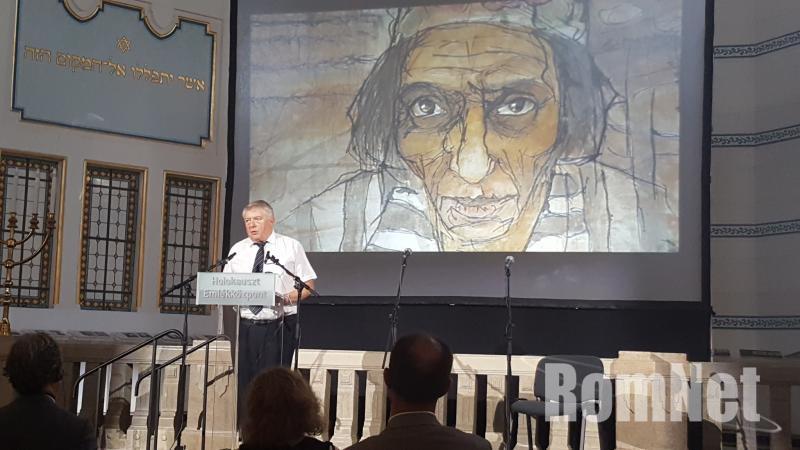 Szita Szabolcs igazgató beszédet mond
