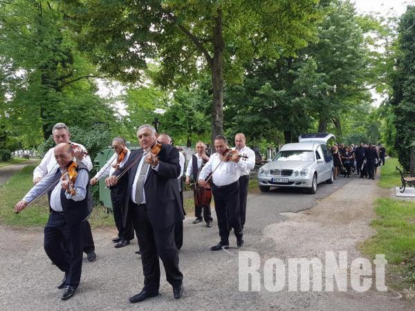 Choli Daróczi József temetése-A 100 Tagú cigányzenekar zenészei