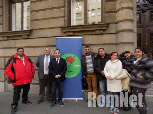 2- Népszavazási kezdeményezést nyújt be az Opre roma párt